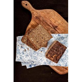 Brot Roggenschrotbrot geschnitten